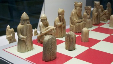 rm-40-lewis-chessmen-board-2